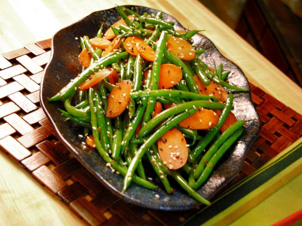 CCECC101_Ginger-Carrot-and-Sesame-Green-Beans_s4x3.jpg.rend.hgtvcom.616.462.jpeg